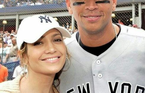 Cuddled Up Photo Of Jennifer Lopez And Boyfriend Alex Rodriguez