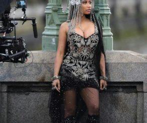 Nicki Minaj Twerk In Provocatively Sexy Way After Breaking Billboard Record