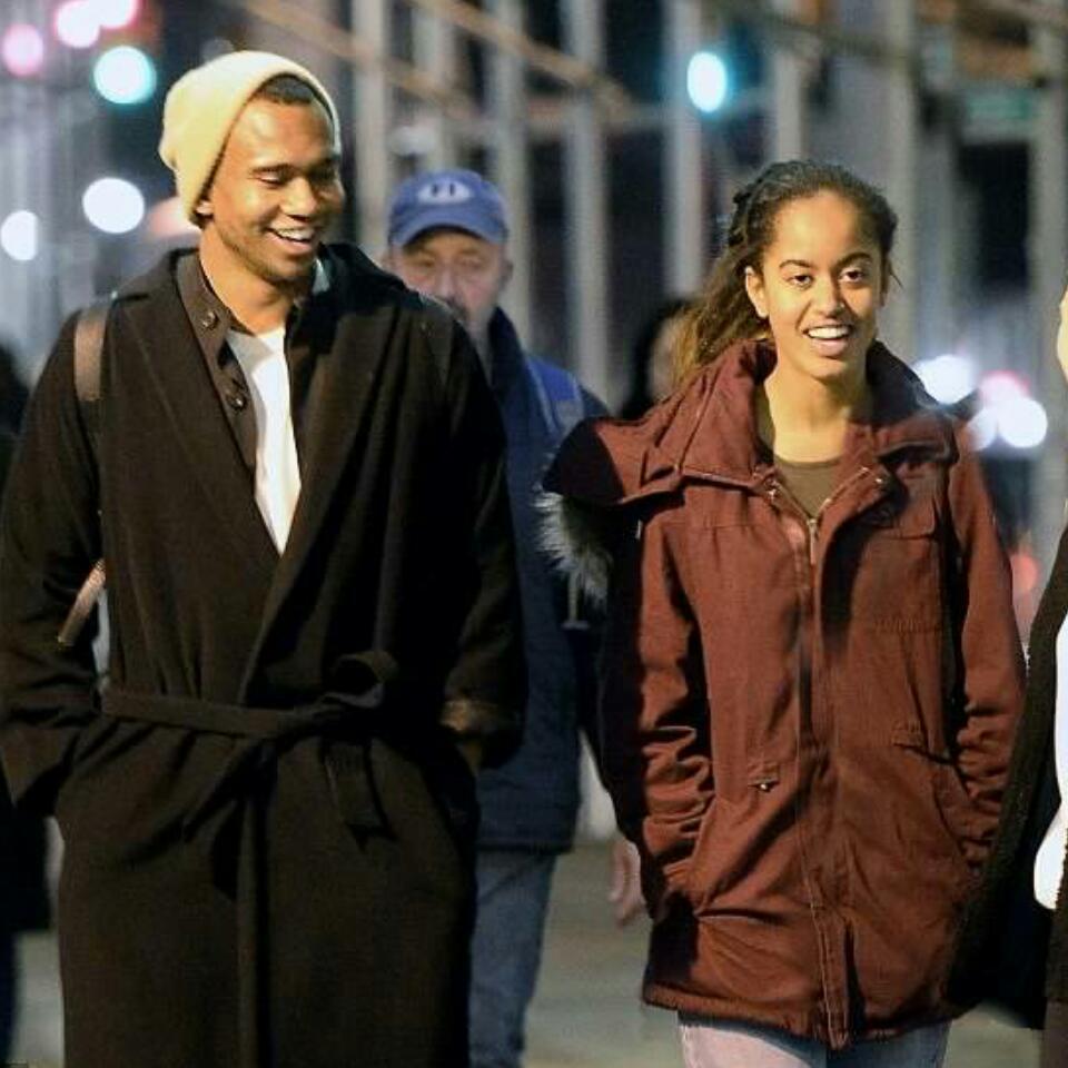 Malia Obama Enjoying Evening Stroll In New York City With Mystery Man