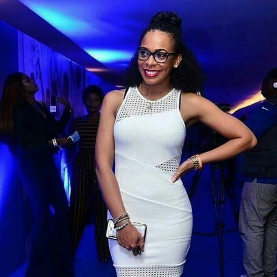 TBoss Flaunts Her Cleavage In Provocatively Sexy New Photos