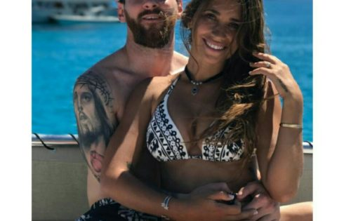 Lionel Messi And Fiance Antonella Roccuzzo Cute In New Photo