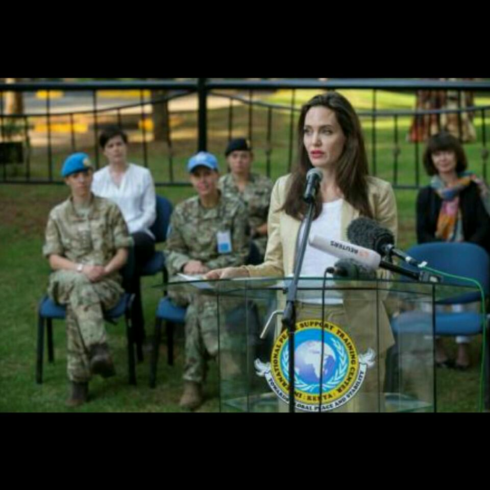 Angelina Jolie Visited Refugee Girls In Kenya