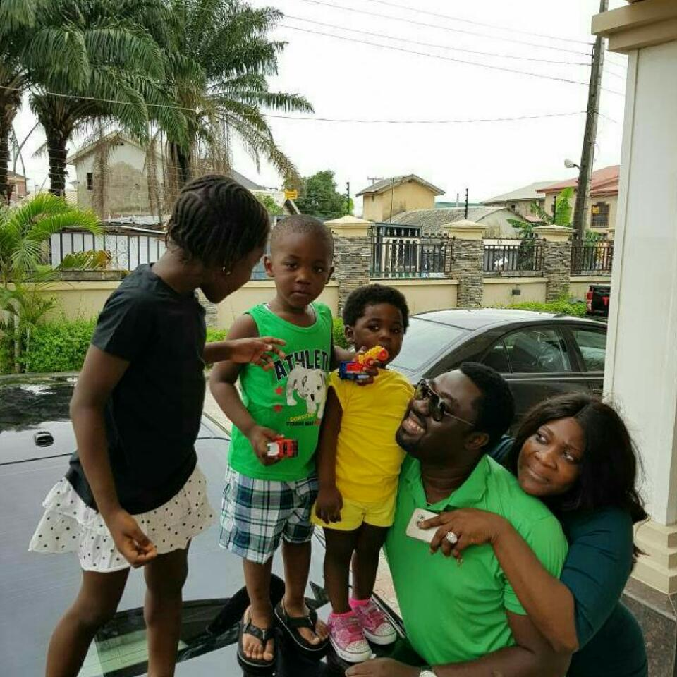 Mercy Johnson And Her Family In Adorable Photoshoot