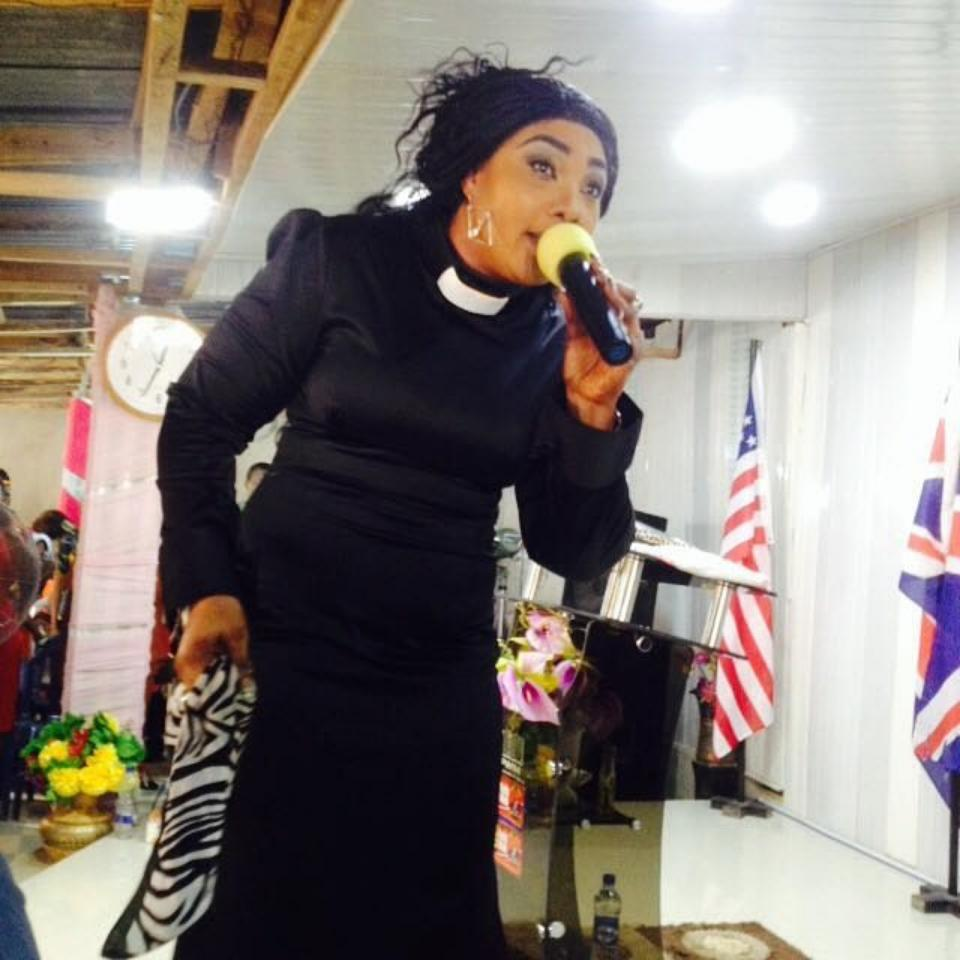 Eucharia Anunobi Comes For Big Church Ministry That Sent Assistant Pastor To Her Village To PROVE HIS MINISTRY Without Any Financial Assistance