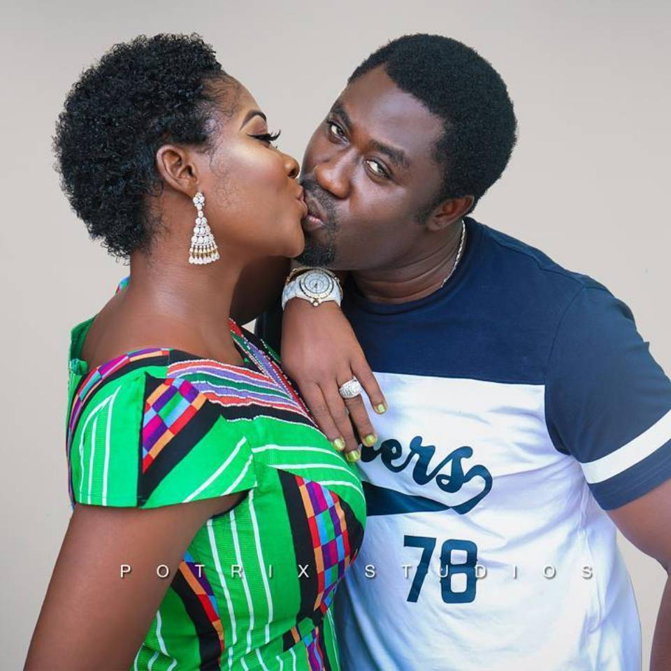 Prince Odi Okojie Shares A Big Kiss With Wife Mercy Johnson