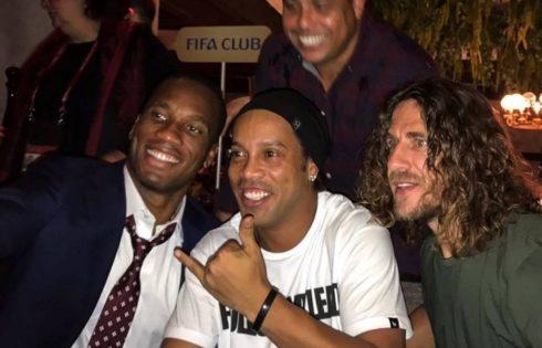 Didier Drogba Pictured Alongside Ronaldinho And Carles Puyol With Ronaldo