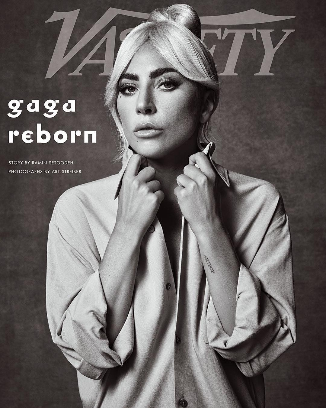 Lady Gaga In Baggy Men's Shirt On Set A Star Is Born (2)