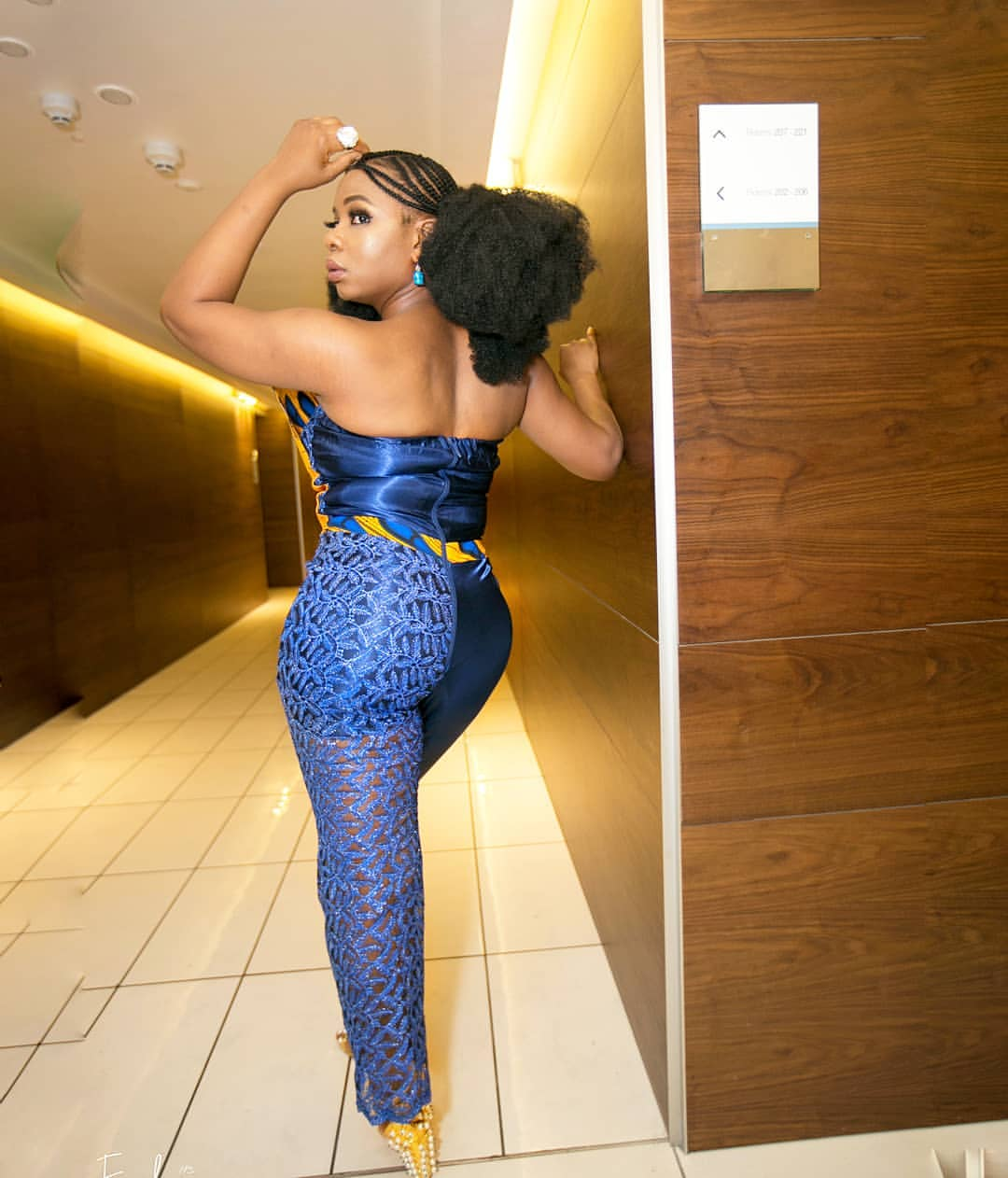 Yemi Alade Behind It's Just Beyonce's Size (2)