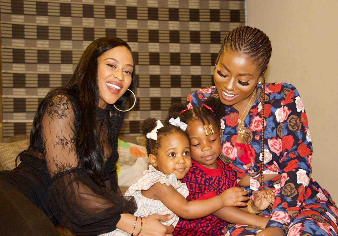 Davido's Daughters Pose Together (2)