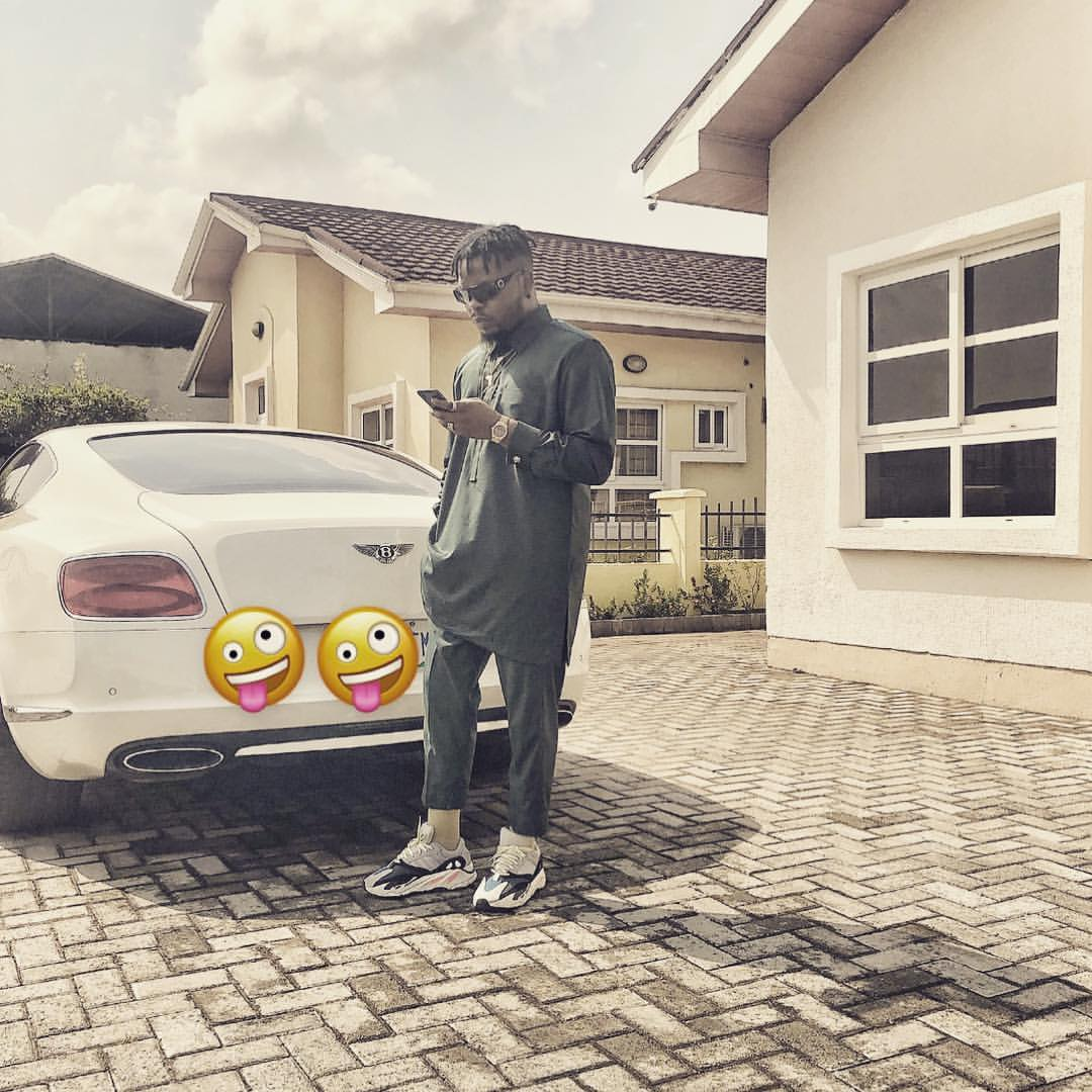 Olamide Shows Off His Bentley (2)