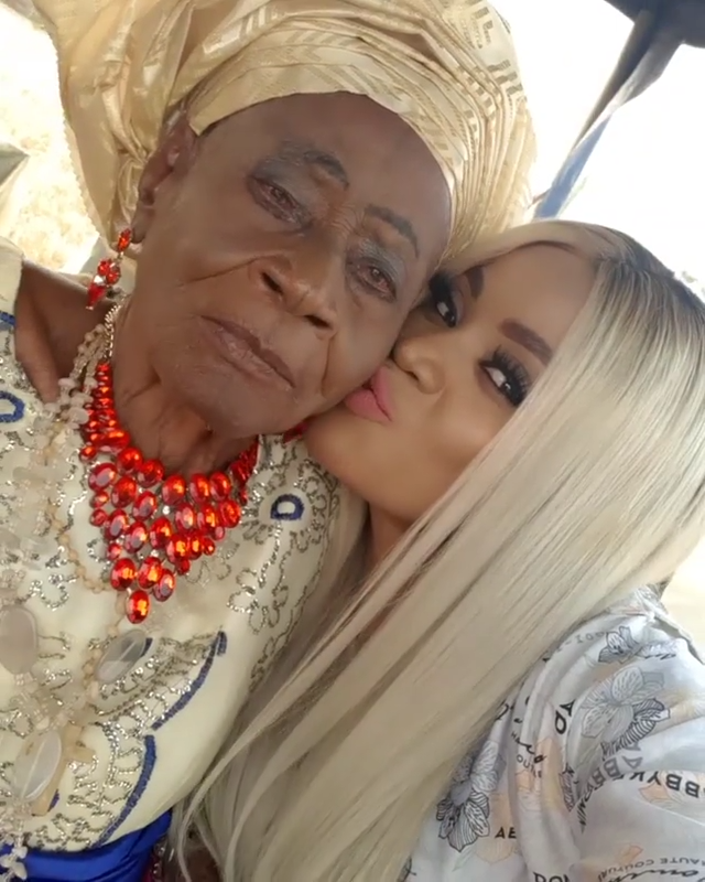 Uche Ogbodo Rocks Village Party With Her Grandparents (4)