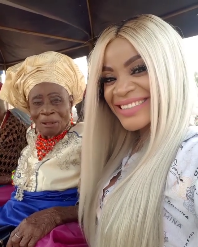 Uche Ogbodo Rocks Village Party With Her Grandparents (6)