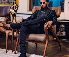 Shirtless D'Banj Chilling With Wizkid In Ghana