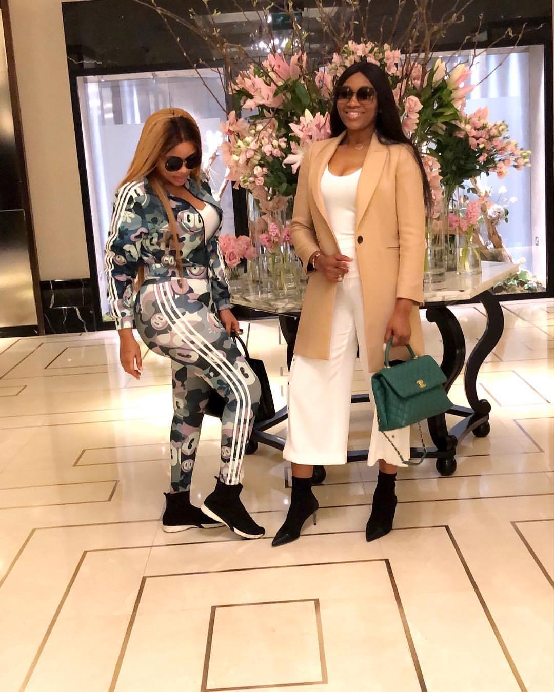 Onyii Alex Strikes Pose With Ebube Nwagbo In London (3)