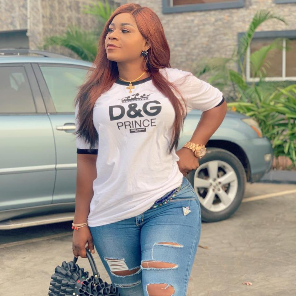 Destiny Etiko Shows Off Hot Legs While Rocking Mini Skirt