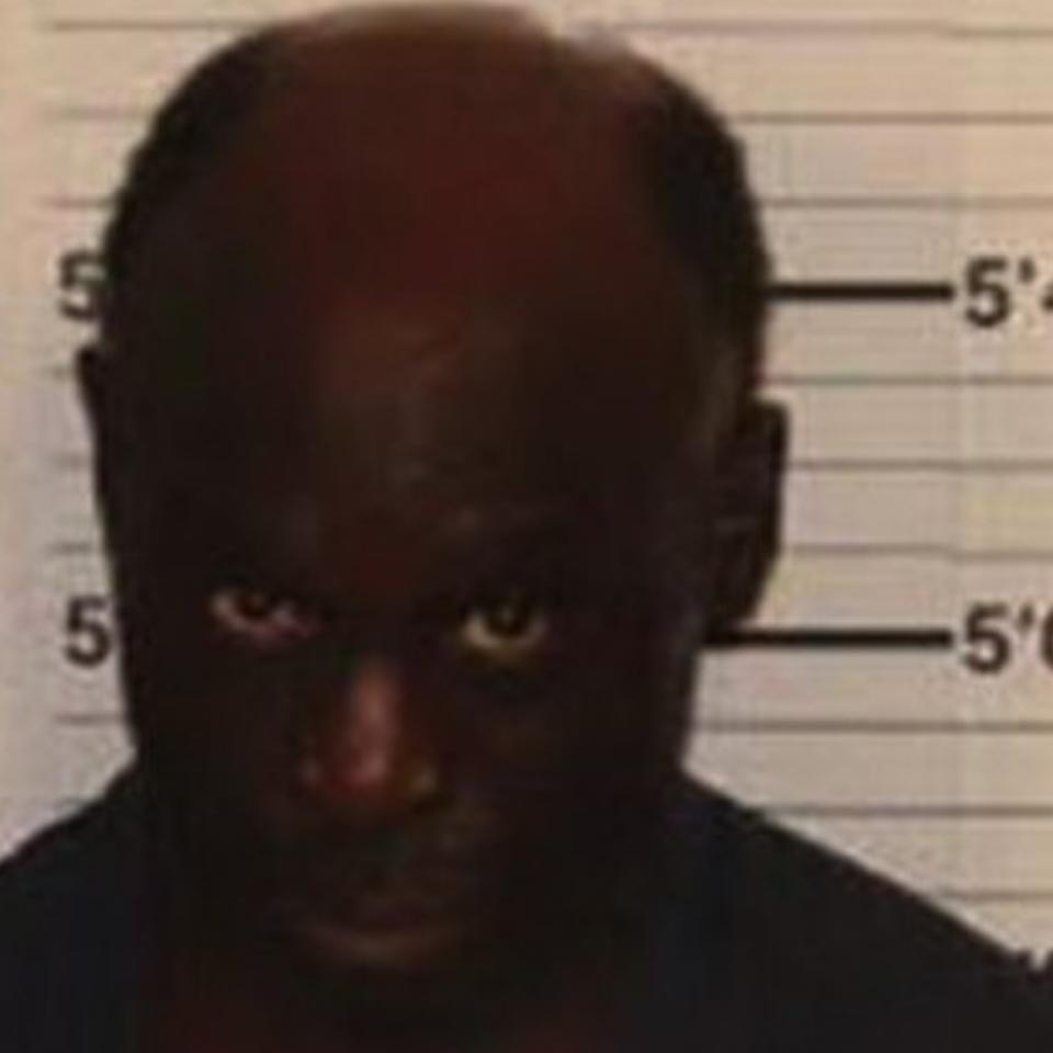 Memphis Man Threatens Neighbours With Knife