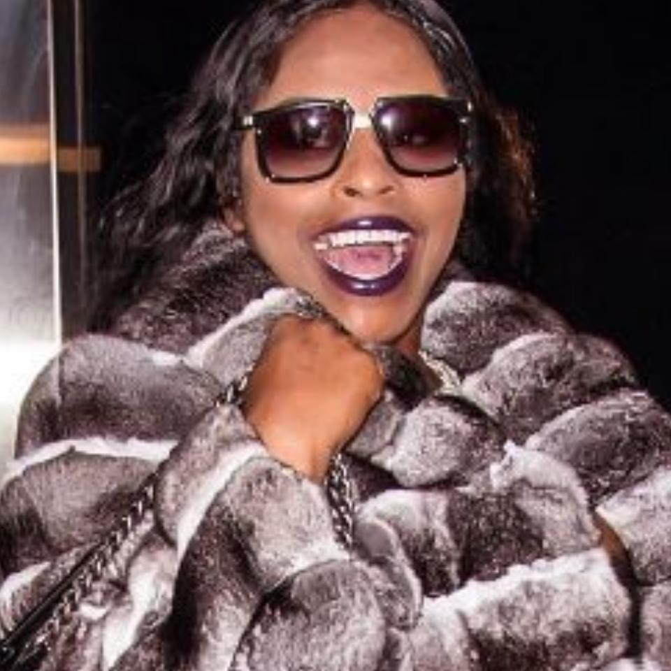 Foxy Brown Booed Off Stage During NYC Performance