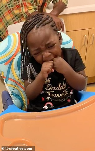 Deaf 3-Year-Old Tears Up After Hearing Parents Voices For The First Time (2)