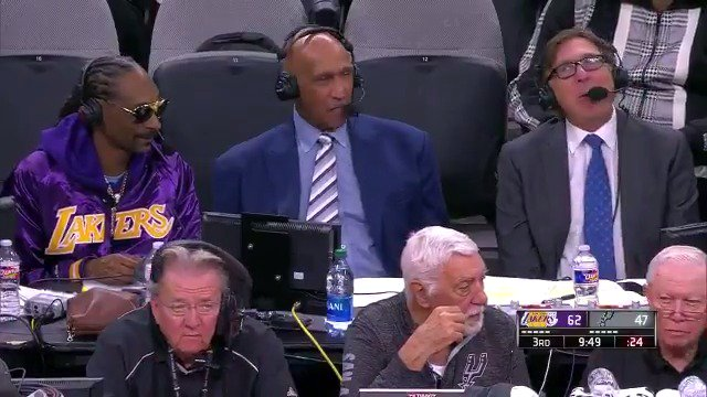 Snoop Dogg Commentary Skills In Broadcast Booth At Lakers Game (2)