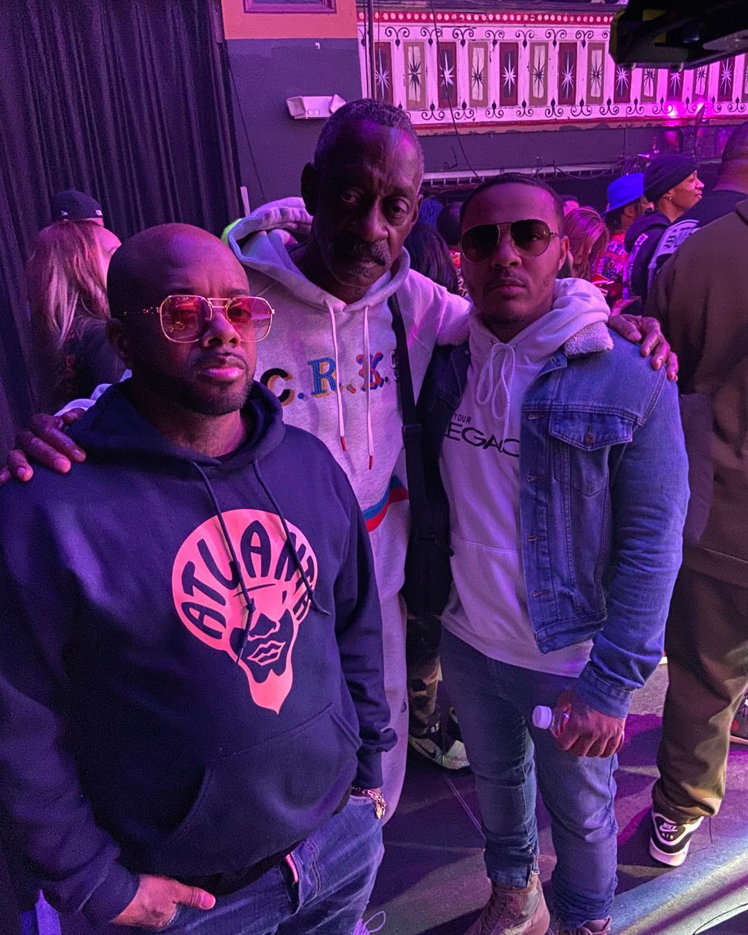 Snoop Dogg's Father Posing Alongside Jermaine Dupri And Bow Wow (2)