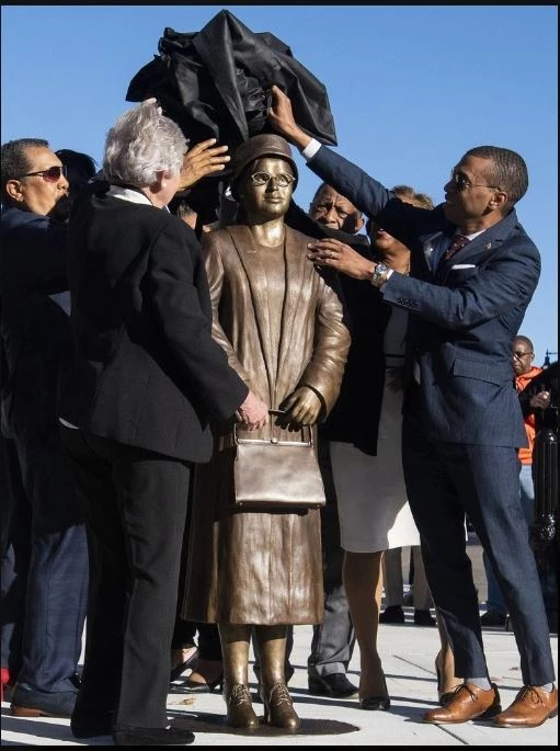 Rosa Parks Statue Montgomery Alabama (2)