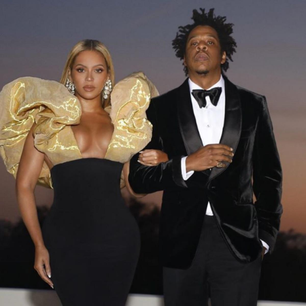 Jay-Z And Beyonce Sat During Super Bowl National Anthem