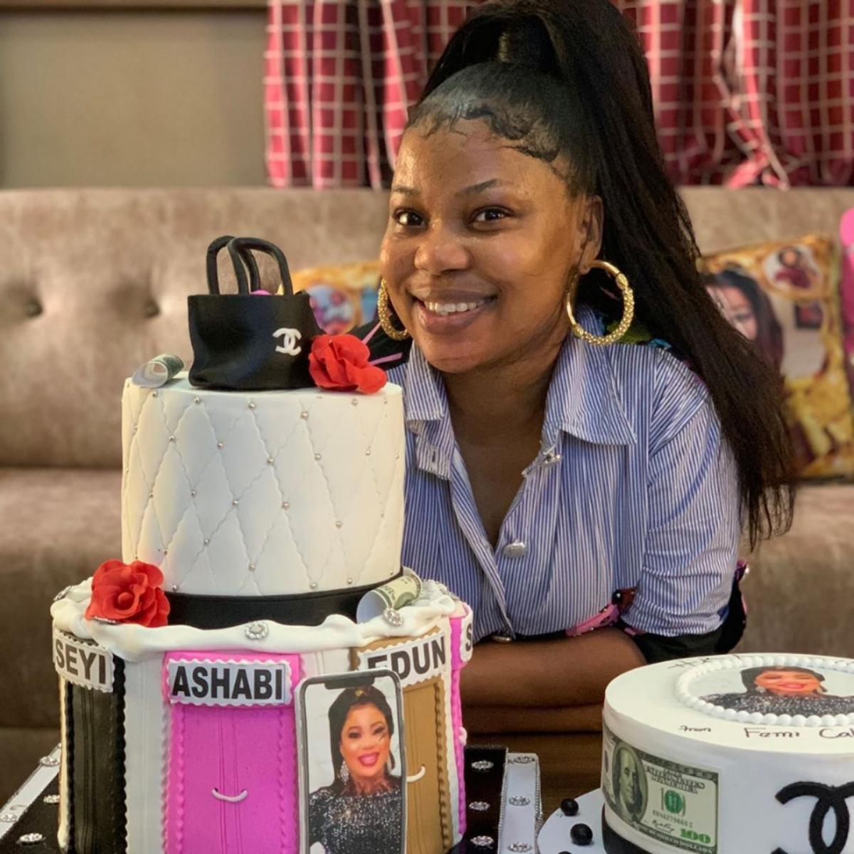Seyi Edun 22 Birthday Cakes