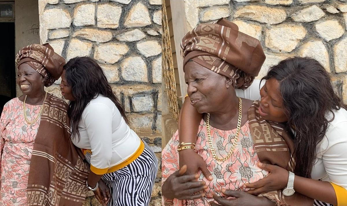 Ariyo Oluwakemisola Apesin Visits Grandma - Amebo Book